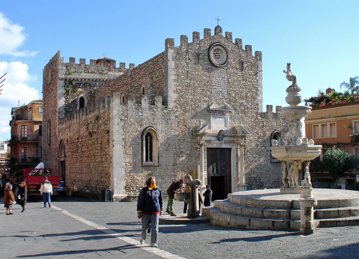public/taormina-the cathedral.jpg